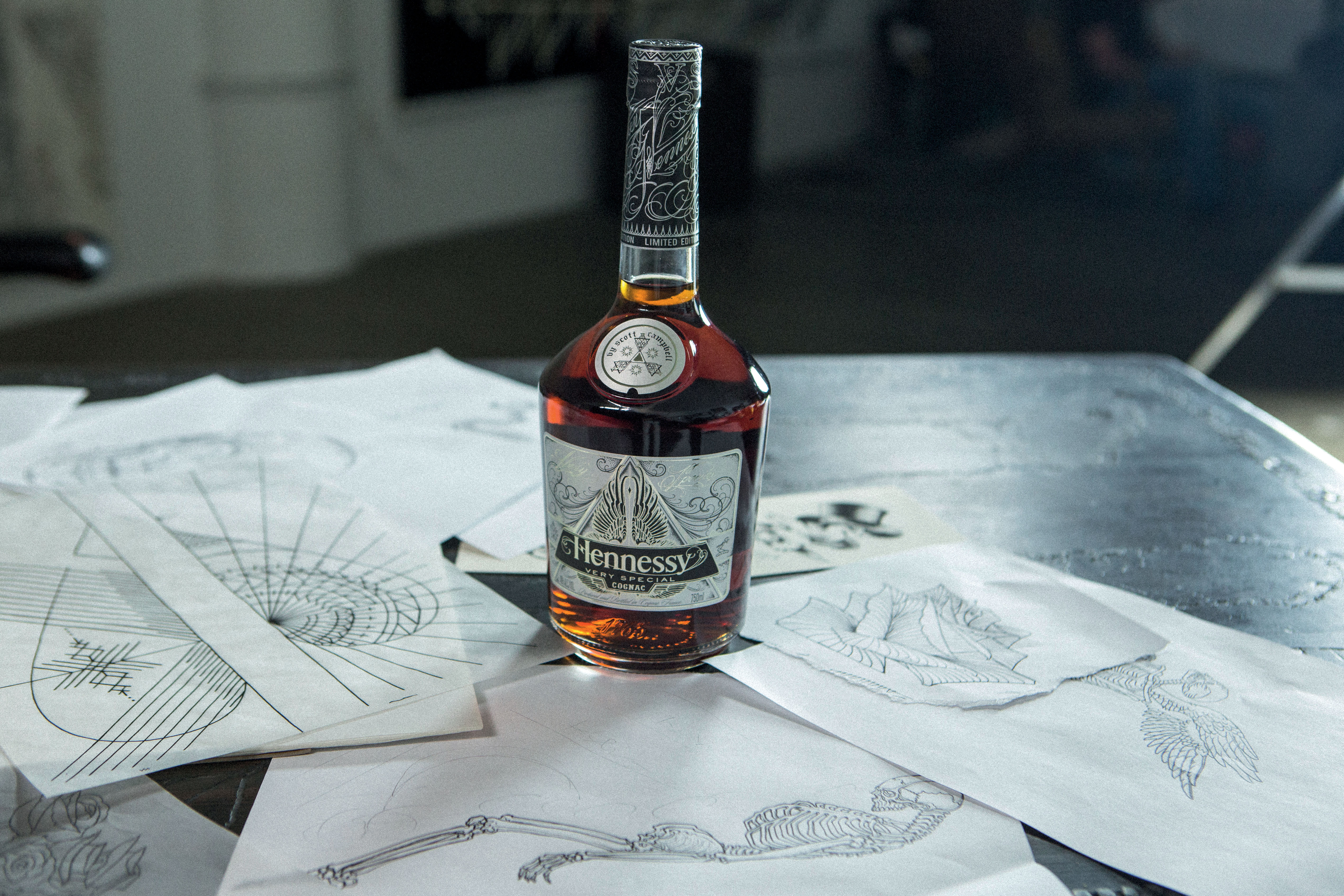 Hennessy & Virtuoso Tattoo Artist Scott Campbell Collaborate Hennessy VS Limited Edition Scott Campbell Dimitri Coste 4481