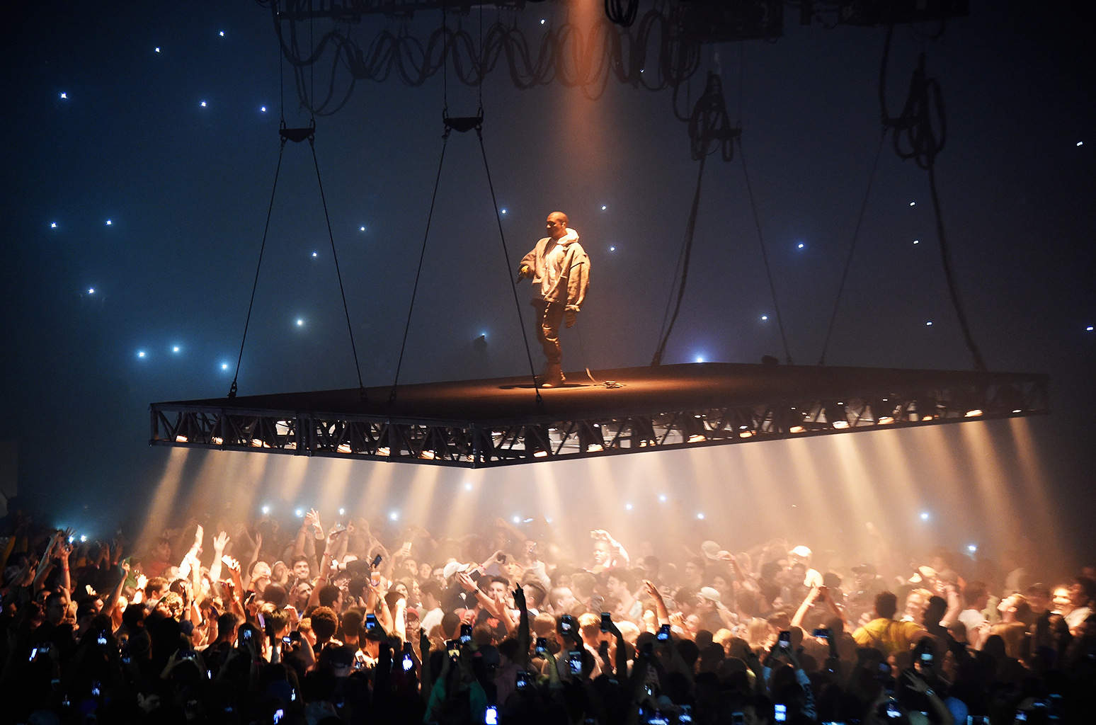 Kanye Calls Out Rappers For Imitating His Stage Design But Cassper Did It First [Watch] Kanye West Pablo Tour 2016 billboard 1548