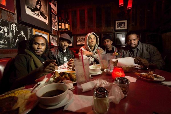 Bone Thugs talk about the legacy of Pac & Biggie, the key to longevity and more! btnh