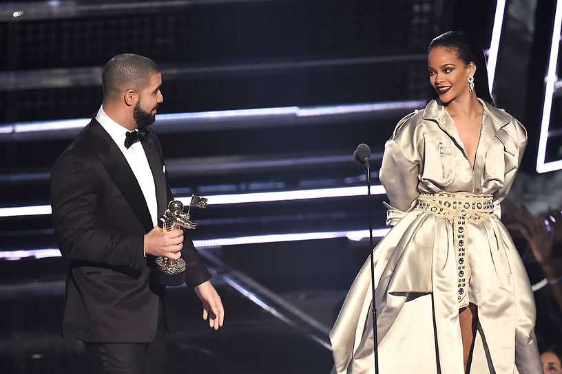 Watch Drake Confess His Love For Rihanna at The VMAs drake rihanna 2016 mtv video music awards show