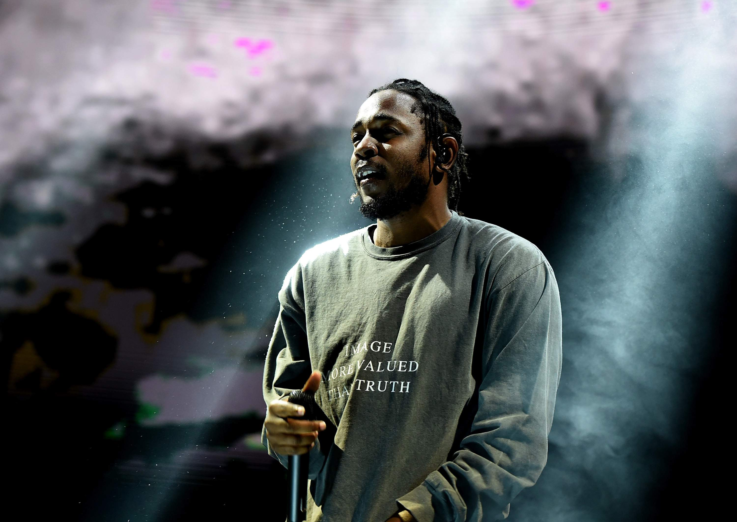 Kendrick Lamar's 'DAMN.' Album Hits No. 1 Again gettyimages 596741732