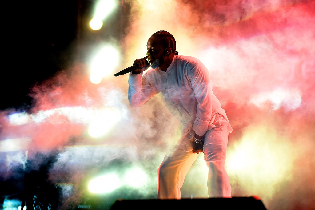 Every Track Off Kendrick Lamar's 'DAMN.' Is on Billboard's Hot 100 http 2F2Fhypebeast