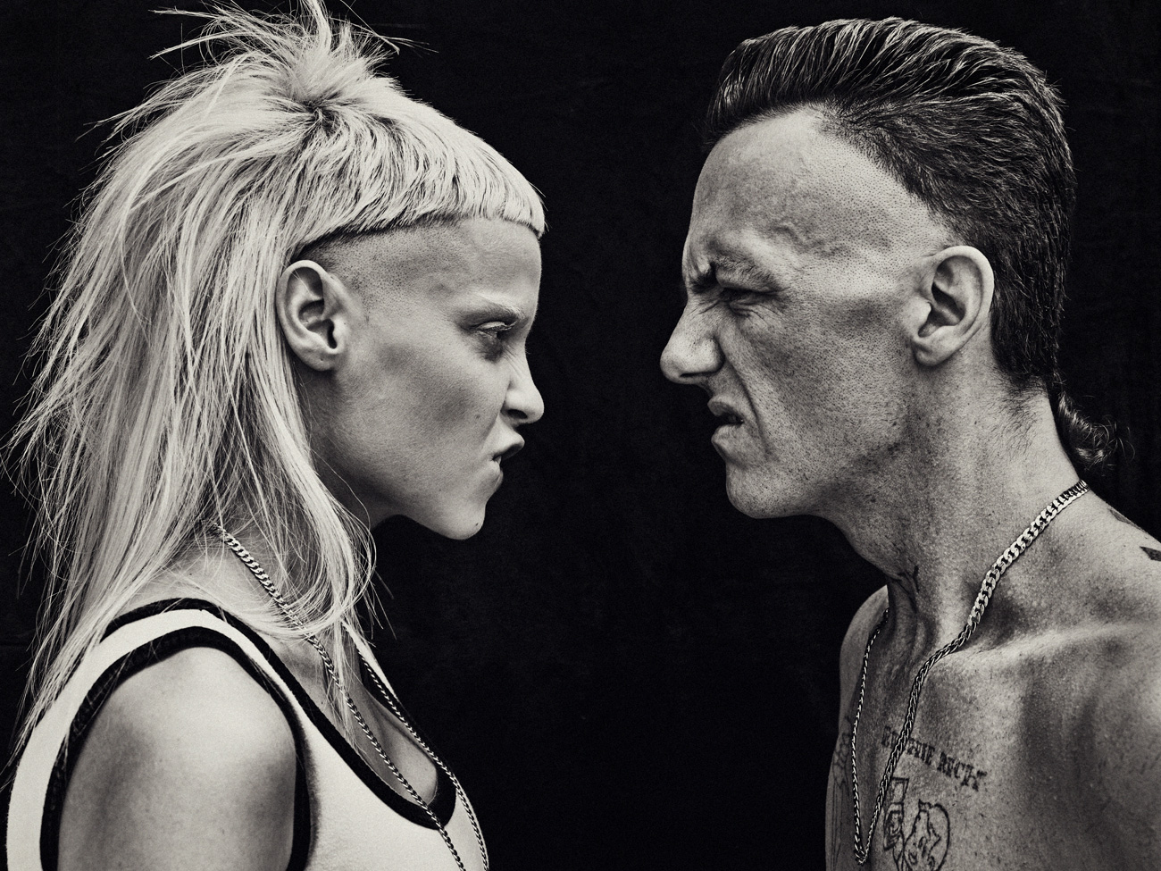 DIE ANTWOORD CLOCK A MILLION VEIWS IN LESS THAN 24HRS FOR NEW SINGLE img die antwoord 6 12550734691