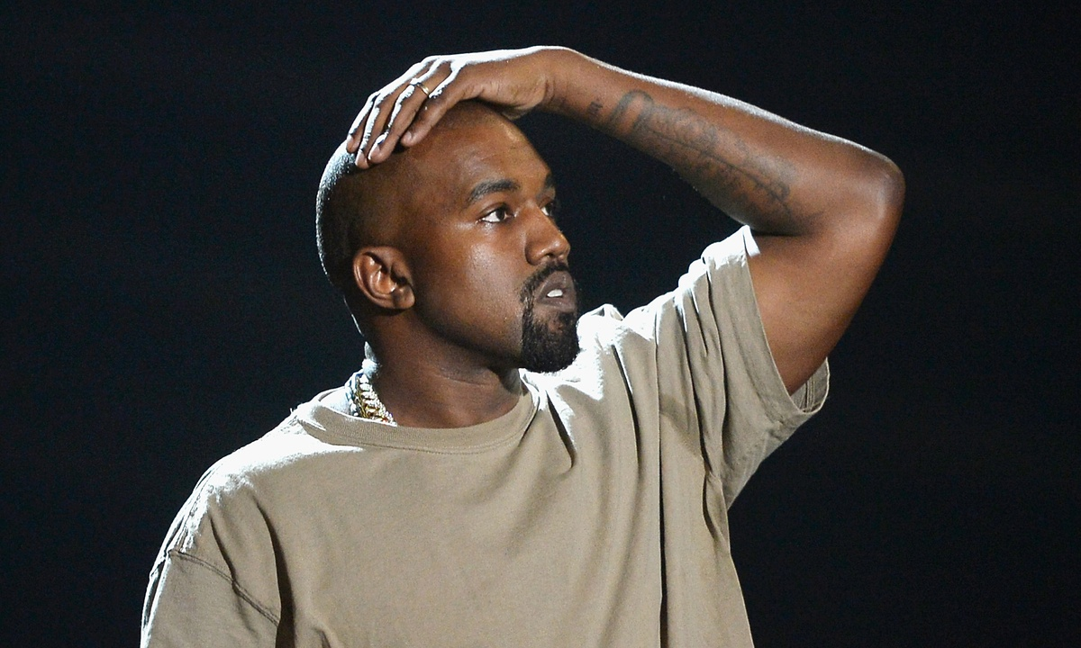 Kanye West Defends His Anus kanye west again