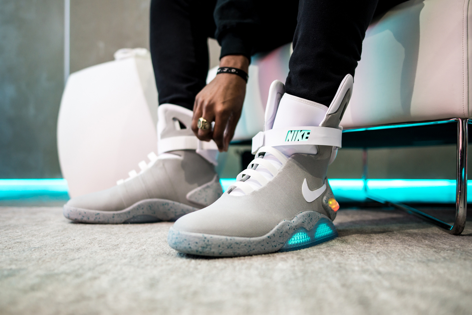 Big Star's 'Just To Flex' (Remix) Dropped [Listen] nike air mag experience 7