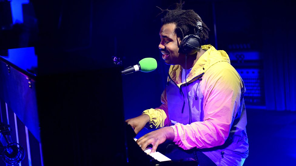 Listen to Sampha Cover Drake's 'Controlla' Song Live p03yf1dq