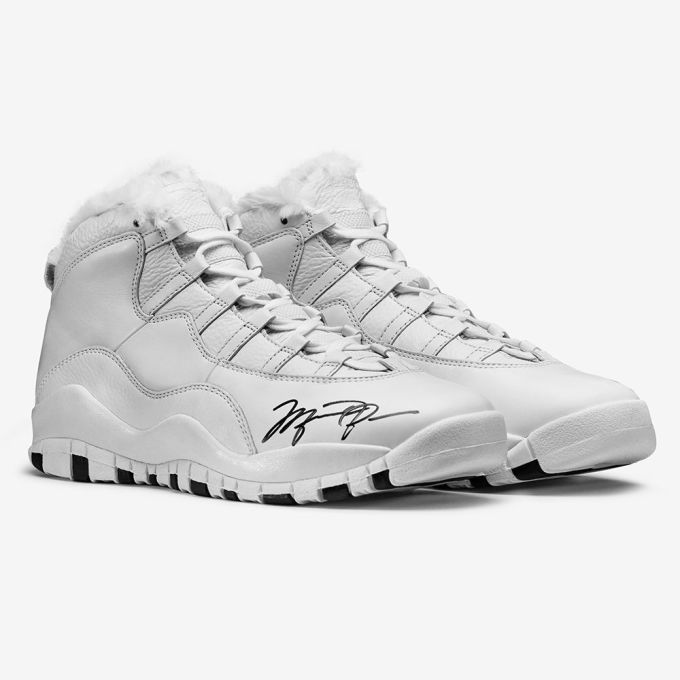 MJ & Tinker Hatfield Signed Air Jordan Xs Sell For More Than 71K. s l1600 hqiv93