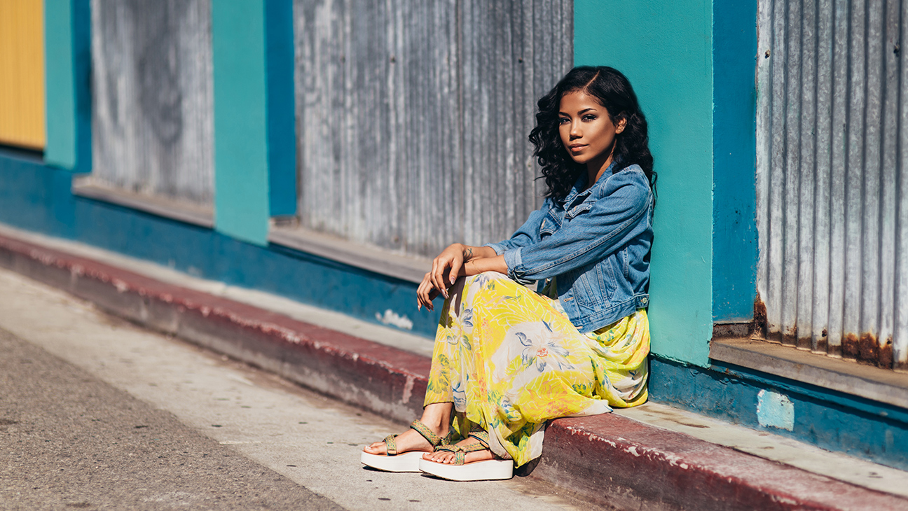 Have You Heard Jhene Aiko's New 'While We're Young' Song Yet? [Listen] teva s16 w universalflatform jheneaikostills 16429 7683 2