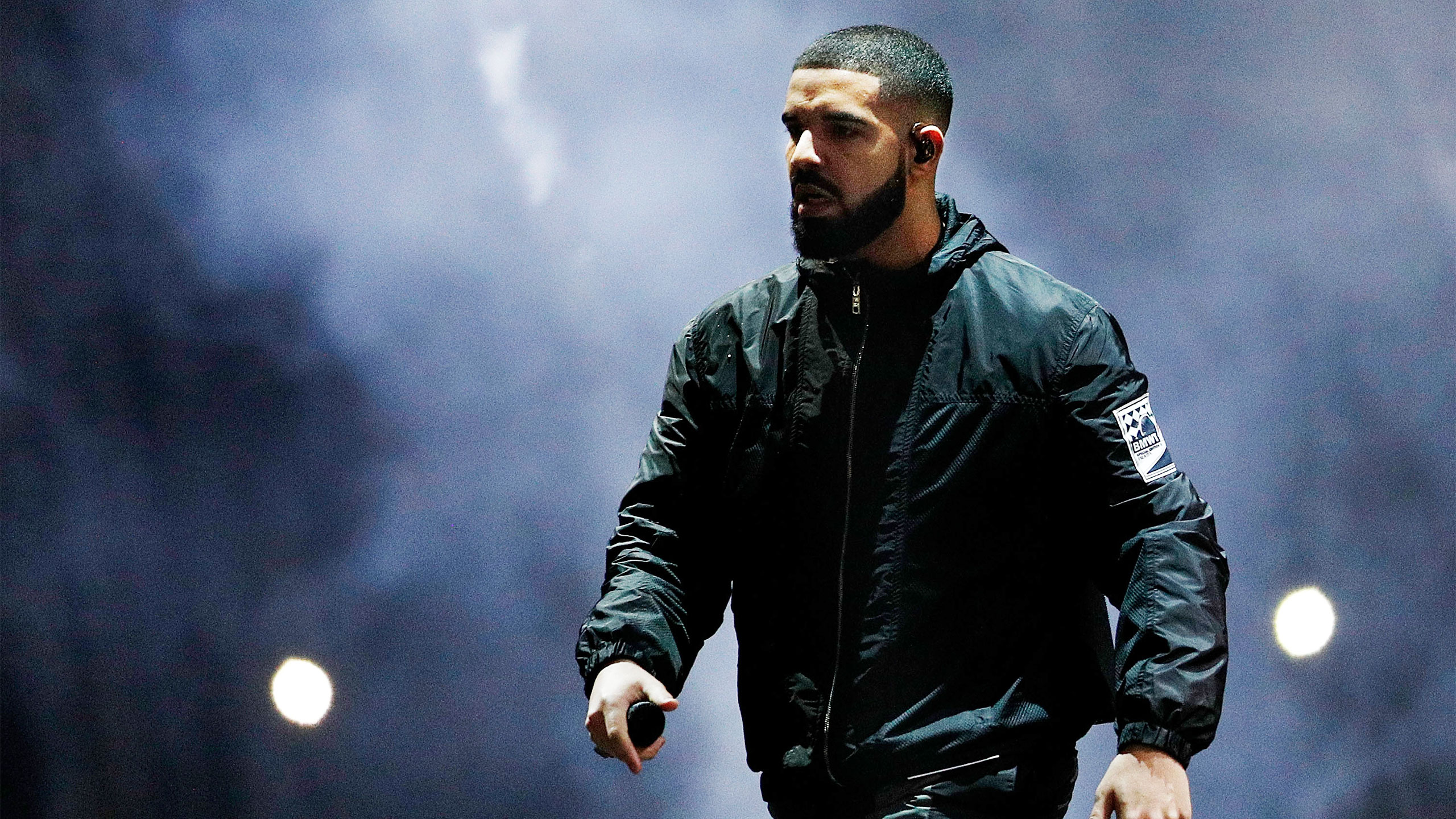 Drake Sort Of Confirms New Adidas Deal 171115 han drake lede v5q7mj