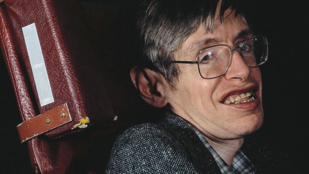 Stephen Hawking Passes Away At Age 76 stephen hawking mini biography