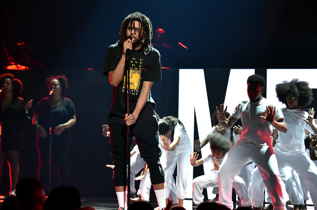 j. cole Watch J. Cole, Daniel Caesar & Wale Deliver Emotional 'Friends' BET Awards Performance j cole bet awards 2018 billboard 1548