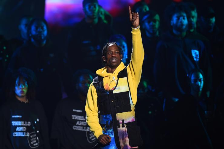 travis scott Watch Travis Scott's Crazy 2018 MTV VMA Performance 1534826564 fe2ee188e03cd911a6b0e4d75d3a43b8