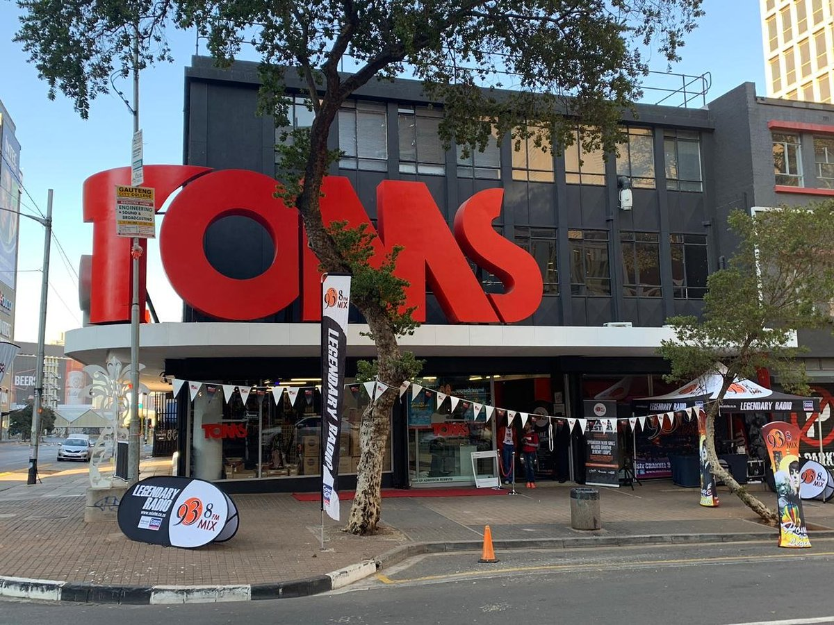 Today Is The LAST DAY Of The TOMS Braamfontein 2019 Annual Sale! D SuourWkAEZwBQ