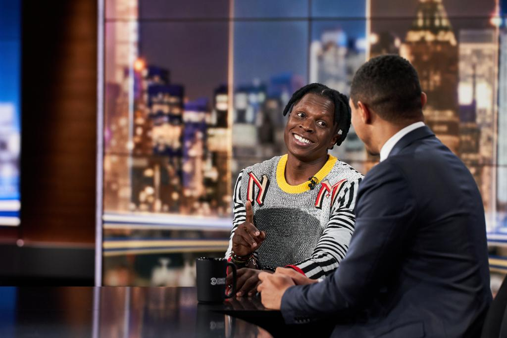 Listen To Trevor Noah Interview Visual Artist Nelson Makamo On The Daily Show D uJymFW4AItNXH
