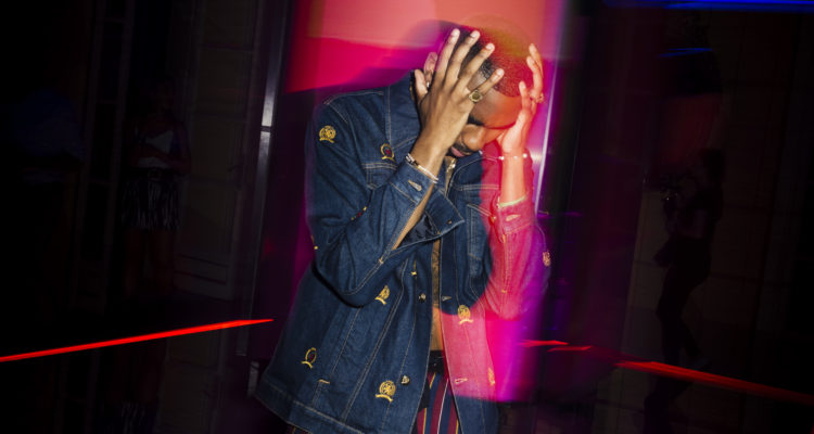 RIKY RICK WEARS TOMMY HILFIGER TO THE FALL 2019 TOMMYNOW TOMMYXLEWIS EXPERIENTIAL EVENT IN MILAN 6Y8A8631 750x400